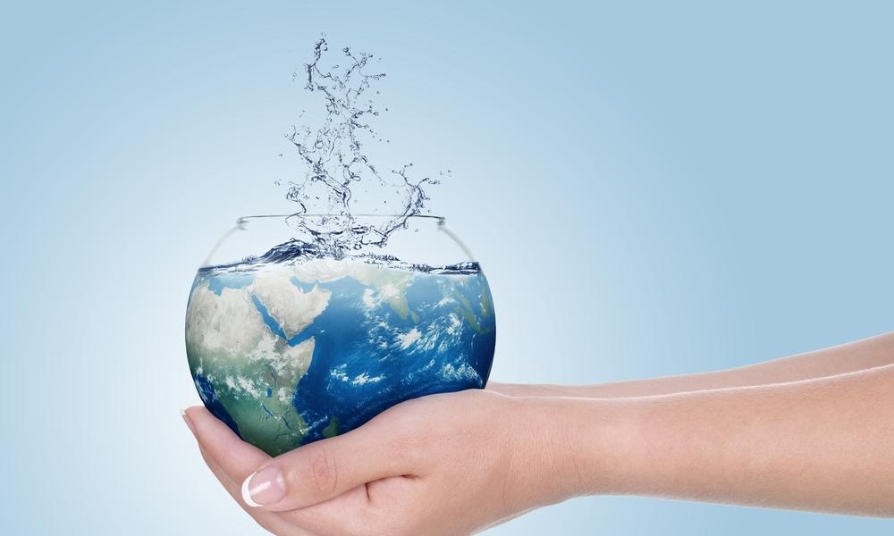 saving-water-in-pool